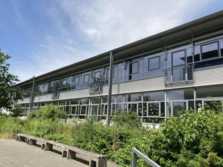 Karla-Raveh-Gesamtschule Hauptgebäude Lemgo Grünes Haus
