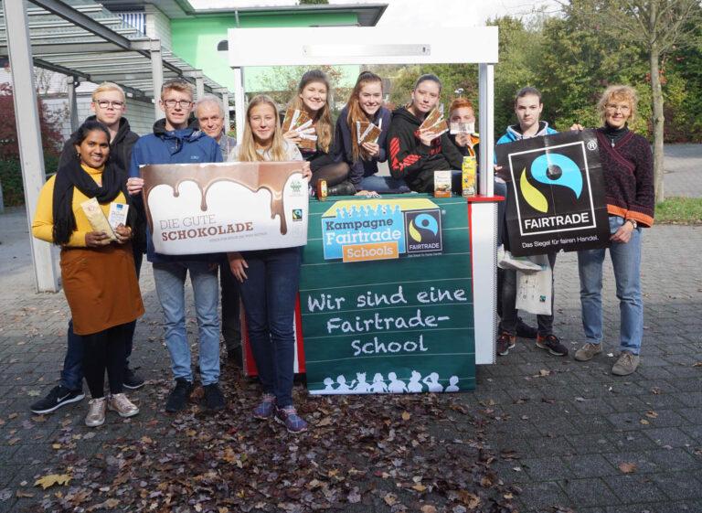Karla-Raveh-Gesamtschule darf sich weiterhin Fairtrade-School nennen